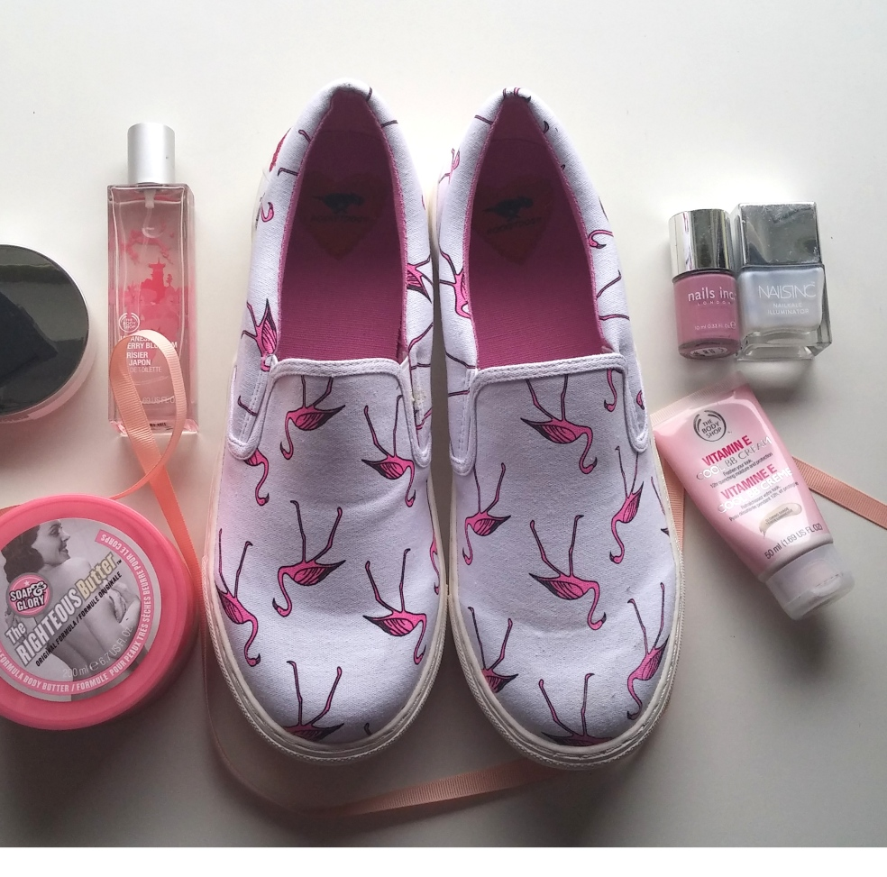 rocketdog, shoes, flatlay, pefume, soap and glory