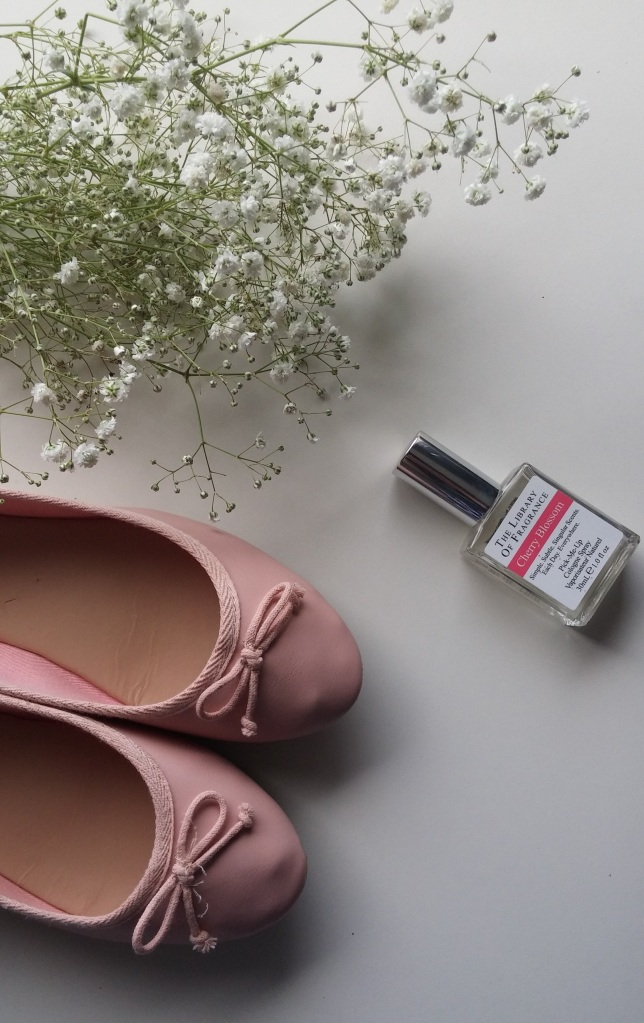 New look, ballet flats, pumps, shoes, library of fragrance uk, gypsophelia, flowers, flatlay, cherry blossom
