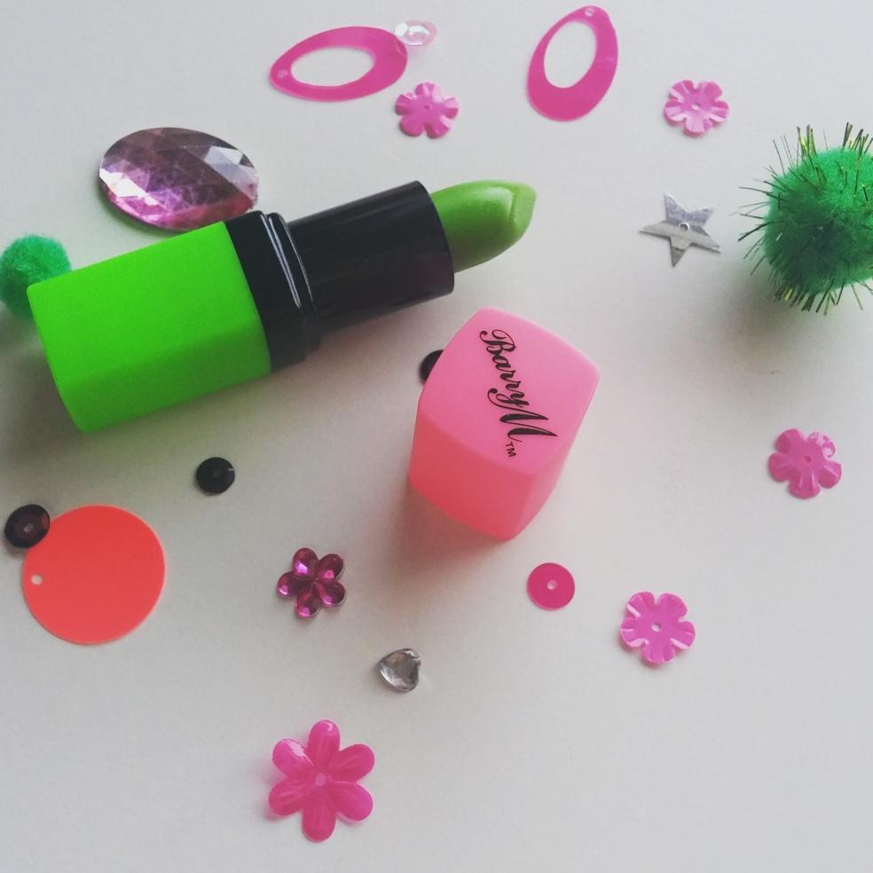 barryM green lipstick