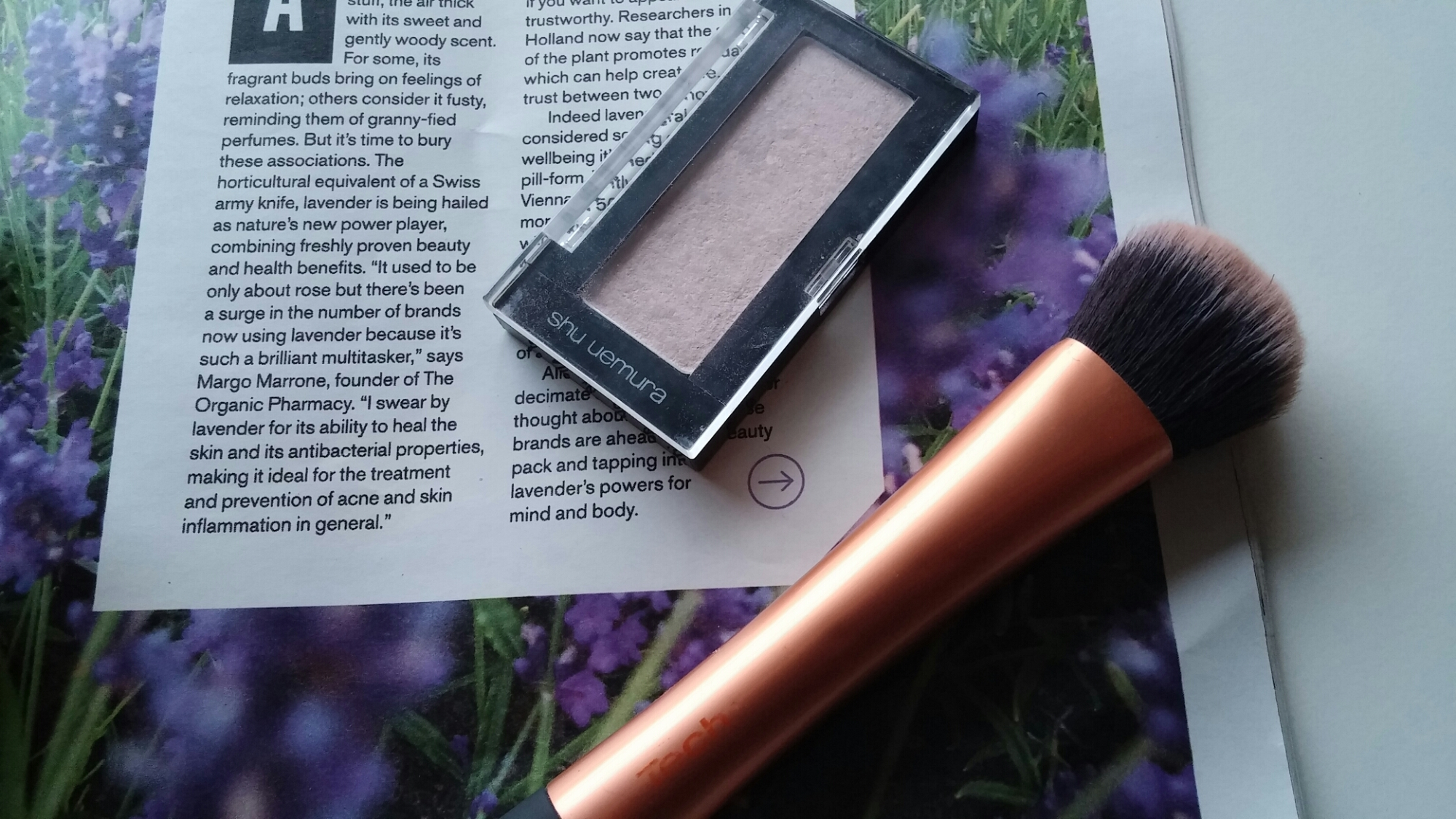 Shu uemura highlighter pearlescent blush strobing, real techniques contouring brush