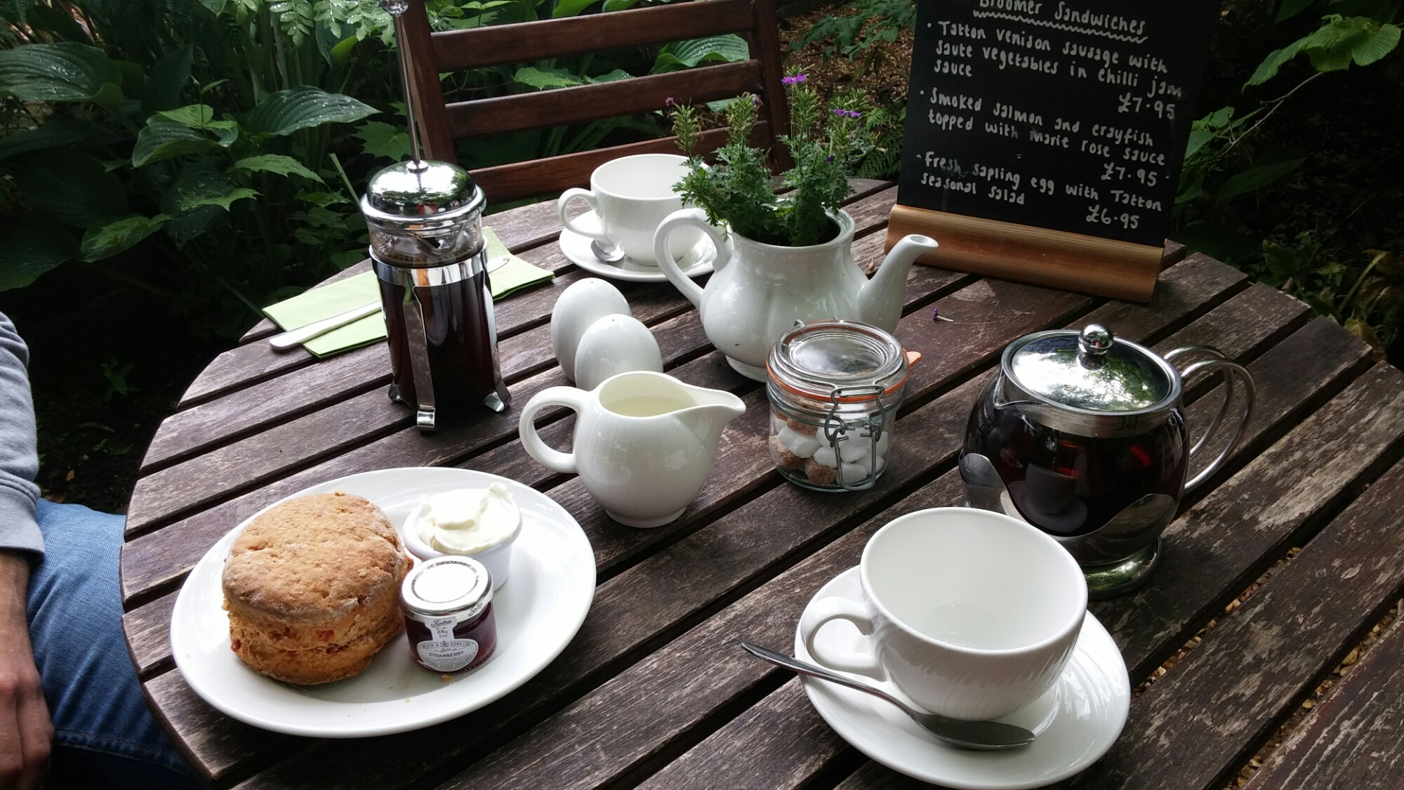 gardeners cottage table scone and tea tatton park hall gardens
