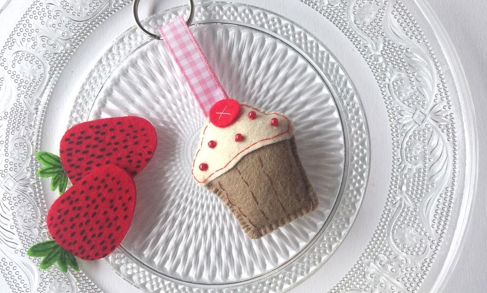 cupcake handbag charm